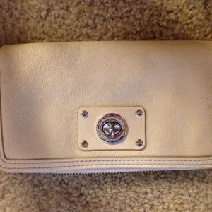 marc jacobs cream leather zippered wallet